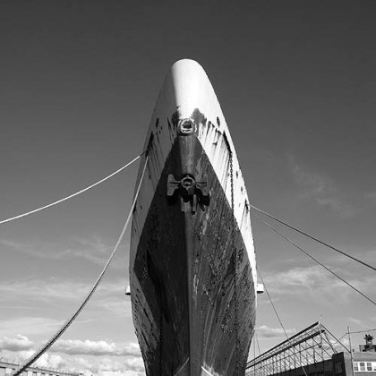 The SS United States' bow Compared to the wide profile bows of today's modern cruise ships, this bow looks like a knife.