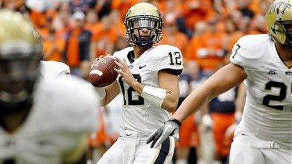 Tino Sunseri Pitt quarterback Tino Sunseri looks for an open receiver against Syracuse during the second quarter of today's game in Syracuse, N.Y.