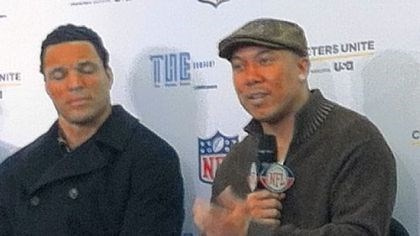Ward2 Steelers receiver Hines Ward, seated next to Atlanta tight end Tony Gonzalez, speaks about his role in mentoring a Clairton High School student at a news conference Thursday at the J.W. Marriott in Indianapolis.