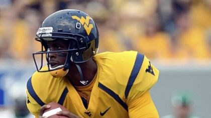 West Virginia quarterback Geno Smith West Virginia quarterback Geno Smith accounted for 249 yards passing in the win Sunday against Marshall as the running game had trouble getting any traction.