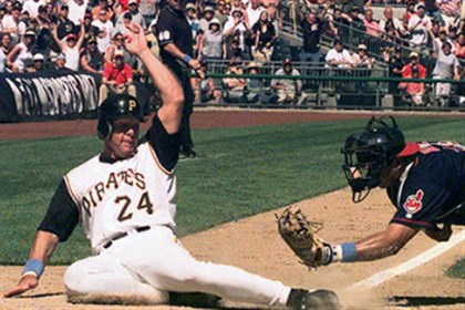 Former Pirates Giles, Schmidt on Hall of Fame ballot
