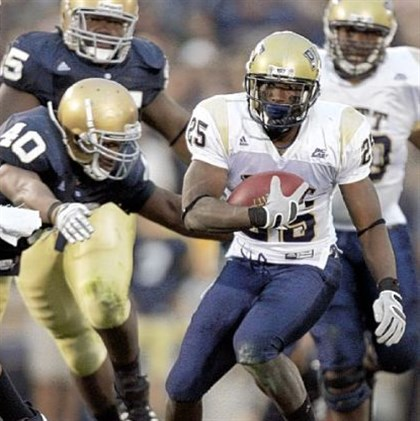Pittd Pitt running back LeSean McCoy avoids a tackle against Notre Dame in 2008.