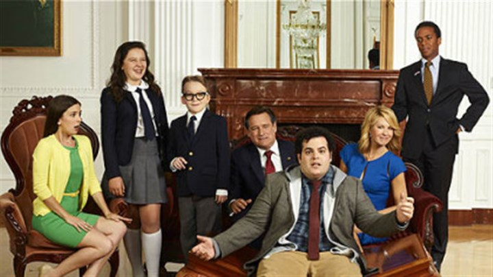 "1600 Penn cast Josh Gad is front and center in he cast of ""1600 Penn,"" about a dysfunctional family in the White House. From left: Martha MacIsaac as Becca, Amara Miller as Marigold, Benjamin Stockham as Xander, Bill Pullman as the president, Gad as Skip, Jenna Elfman as the first lady and Andre Holland as Marshall Malloy."