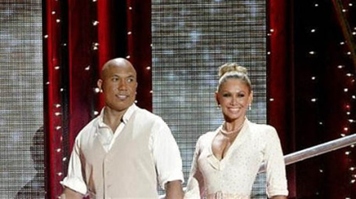 "A big entrance Hines Ward and Kym Johnson and the other ""Dancing With the Stars"" pairs performed one ballroom number and one ""Instant Dance"" Monday."