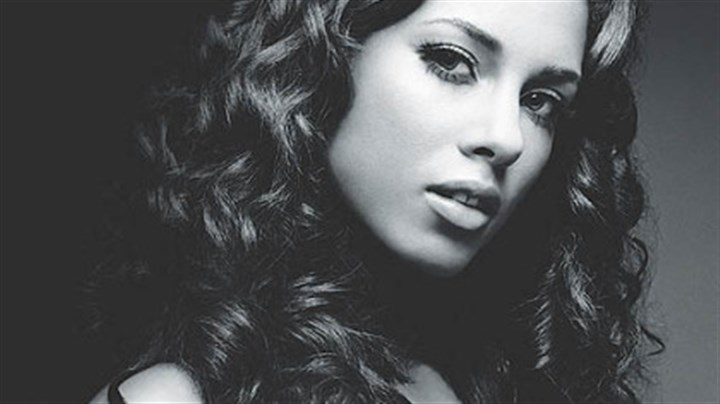 Alicia Keys Alicia Keys, a classically trained pianist, was raised in Hell's Kitchen by her Italian-Scottish mother.