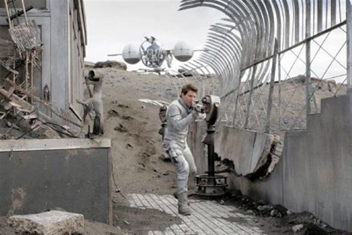 "Alien invasion movie Tom Cruise ends up on a decimated Earth in ""Oblivion."""