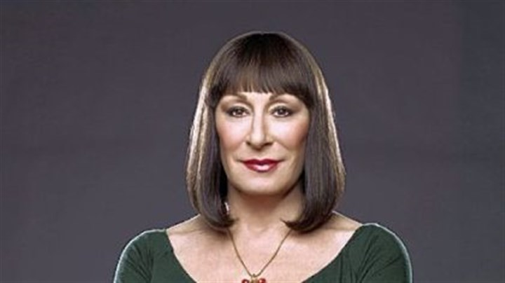 Anjelica Huston Anjelica Huston as Eileen Rand.