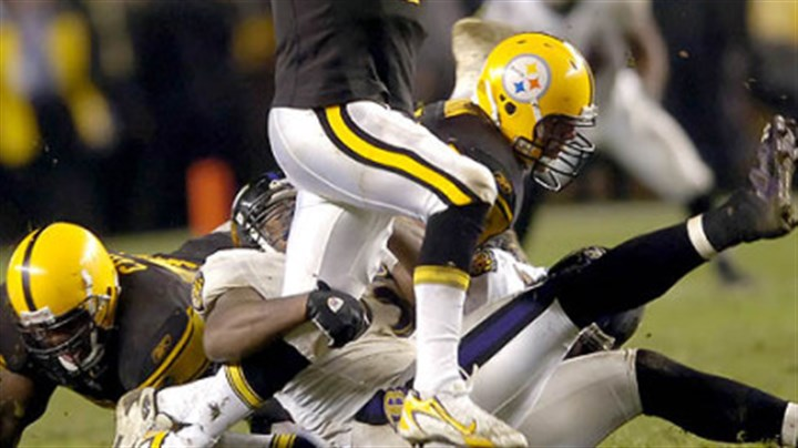 Ben Roethlisberger Quarterback Ben Roethlisberger scrambles as he tries to avoid a sack in the second quarter. (vs. Ravens, 11/05/07)