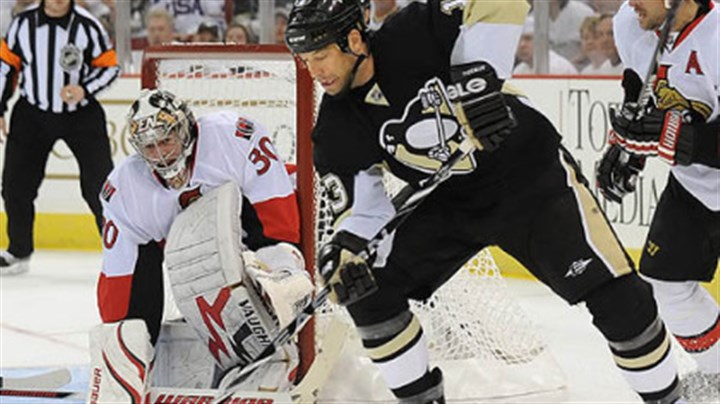 Bill Guerin The Penguins are still considering re-signing unrestricted free agent forward Bill Guerin.