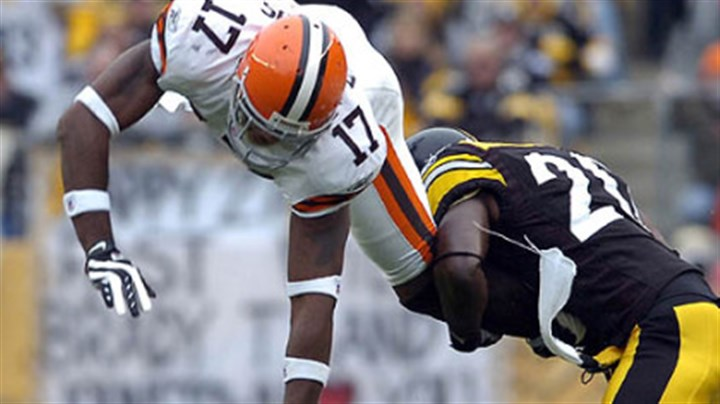 Bryant McFadden and Browns Braylon Edwards Cornerback Bryant McFadden upends Browns' wide receiver Braylon Edwards as he tries to come up with the ball in the second-quarter. (vs. Browns 11/11/07)