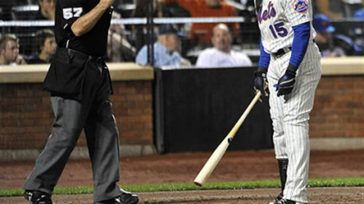 Carlos Beltran and Mike Everitt The Mets' Carlos Beltran reacts to a called third strike by home plate umpire Mike Everitt in the third inning.