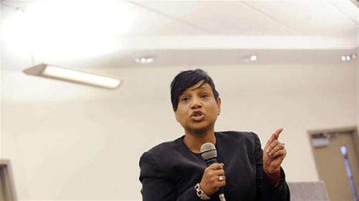 Carmen Robinson Mayoral candidate Carmen Robinson speaks at a town hall forum at the Kingsley Center in East Liberty on Tuesday.