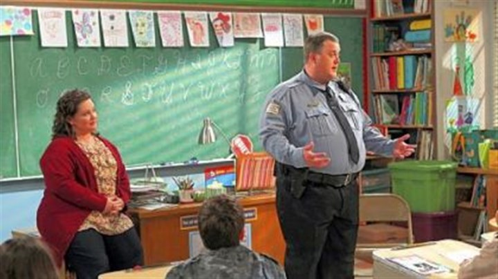 "CBS fall schedule Former Pittsburgher Billy Gardell, right, and Melissa McCarthy play a couple who find love at an Overeaters Anonymous meeting in the new comedy ""Mike & Molly,"" this fall on CBS."