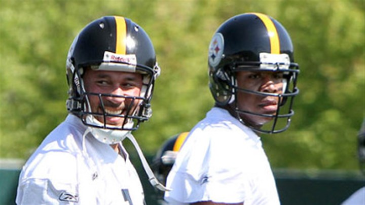 Charlie Batch and Byron Leftwich The Steelers have not yet announced if they will start Charlie Batch, left, or Byron Leftwich at quarterback Sunday against Tampa Bay.