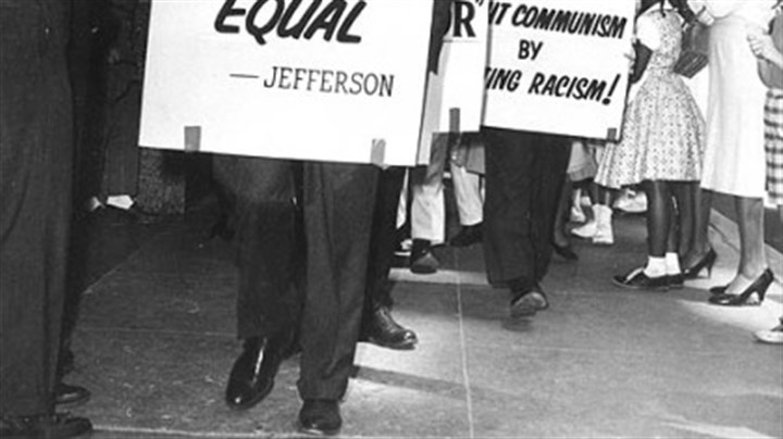 Charlton Heston joins civil rights protest in 1961 Oscar winner Charlton Heston joins civil rights protesters picketing a whites-only restaurant in Oklahoma City, Okl., on May 27, 1961.