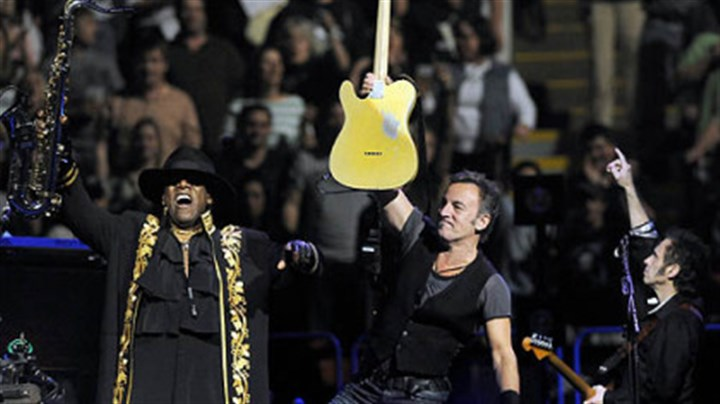 "Clarence Clemons, Bruce Springsteen and Nils Lofgren Clarence Clemons, Bruce Springsteen and Nils Lofgren perform during the ""Working on a Dream"" tour at Mellon Arena tonight."