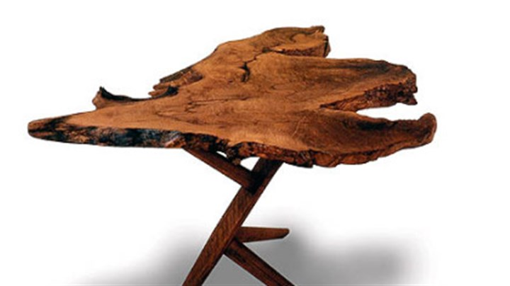 Conoid end table The Conoid end table by George Nakashima.