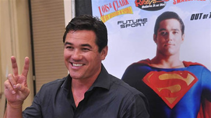 "Dean Cain at Steel City Con Dean Cain, who played Superman in the TV series ""Lois and Clark,"" flashes a victory sign to people who came to get his autograph at Steel City Con."