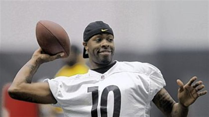 Dennis Dixon Also vying for the starting job with the Steelers isennis Dixon.