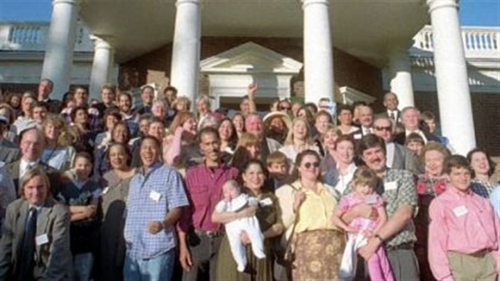 Descendants of Thomas Jefferson and his slave Sally Hemings Descendants of Thomas Jefferson and descendants of his slave Sally Hemings pose for a group shot at his plantation May 15, 1999, during the Monticello Association's annual meeting in Charlottesville, Va.