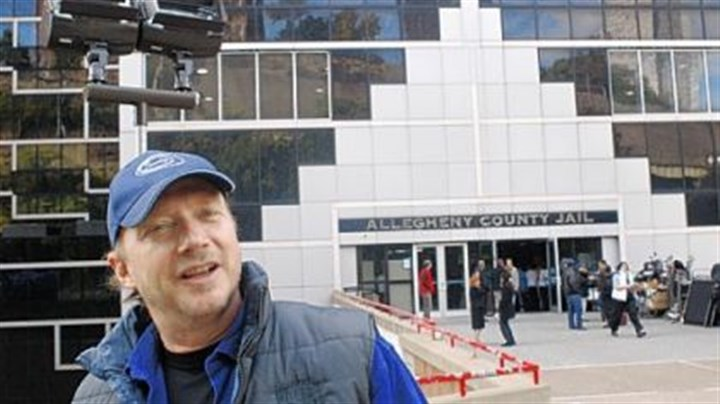 Director Paul Haggis Director Paul Haggis filming at the county jail.