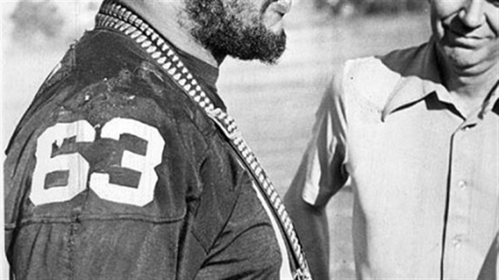 Ernie Holmes, 1976 Steelers tackle Ernie Holmes surveys the scene as he conducts an interview in 1976.