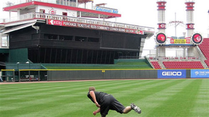 Evan Meek Pirates reliever Evan Meek works out alone before a May 25 game in Cincinnati, throwing a phantom pitch, then sprinting 30 yards, then repeating twice