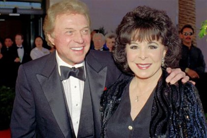 Eydie Gorme Eydie Gorme, a popular nightclub and television singer as a solo act and as a team with her husband, Steve Lawrence, has died.