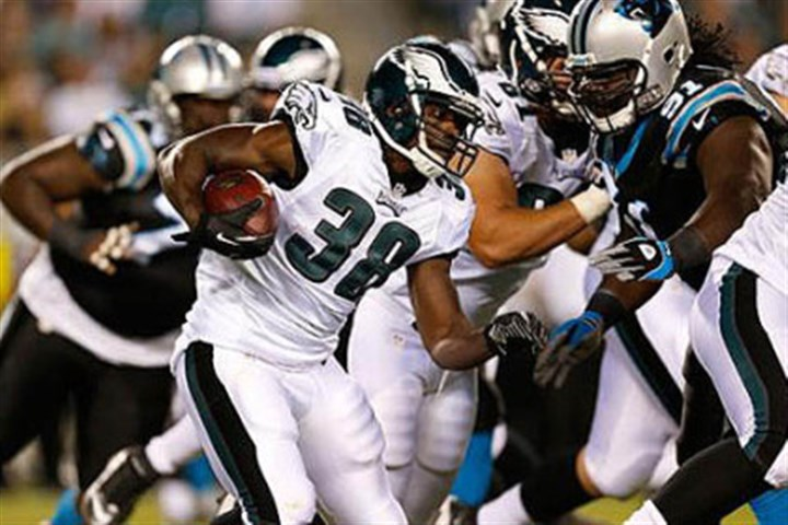 Felix Jones The Steelers have acquired running back Felix Jones from the Philadelphia Eagles in a trade for outside linebacker Adrian Robinson.