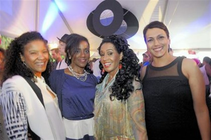 Frances Robinson with daughters Smokey Robinson's wife, Frances, third from left, with daughters Kelly Maddox, Lynnette Dalton and Nicole Maddox.