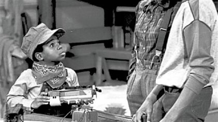 "Gary Coleman Gary Coleman, left, playing Arnold, talks with Dana Plato, as Kimberly, and Todd Bridges, as Willis, in the ""Small Claims"" episode of ""Diff'rent Strokes"" in 1980."