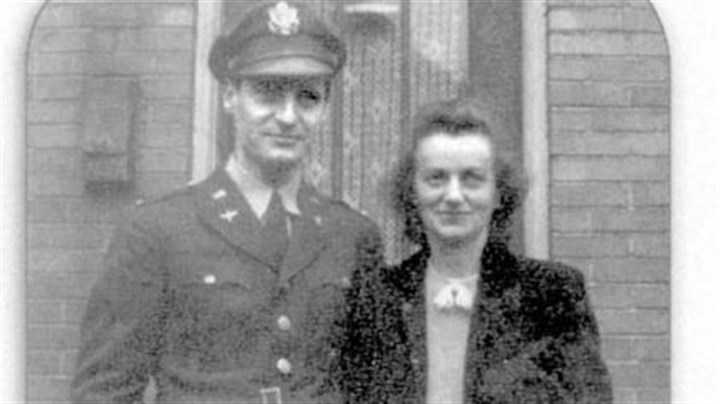 George and Mirjana Vujnovich George and Mirjana Vujnovich in September 1943, when George returned from Africa to undergo OSS training in Virginia.