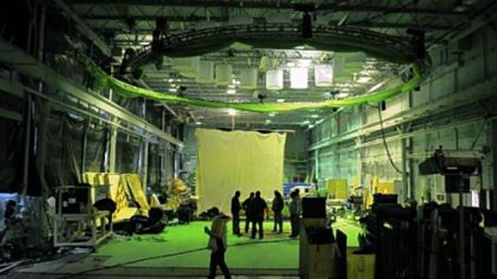 """green screen"" A ring holding the suspended ""green screen"" was used to film car scenes in the production of ""The Next Three Days"" in Monroeville."