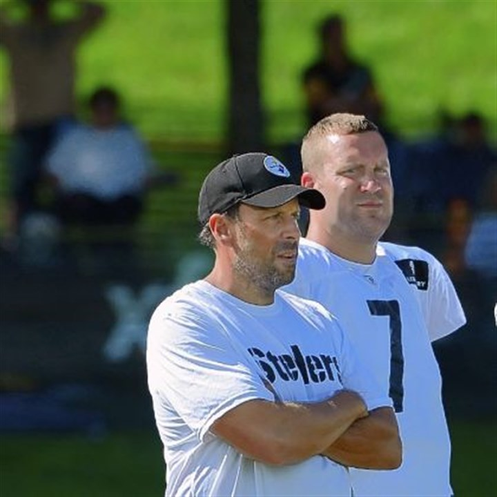 haley1027 Steelers quarterback Ben Roethlisberger and offensive coordinator Todd Haley have worked well together in the past two victories.