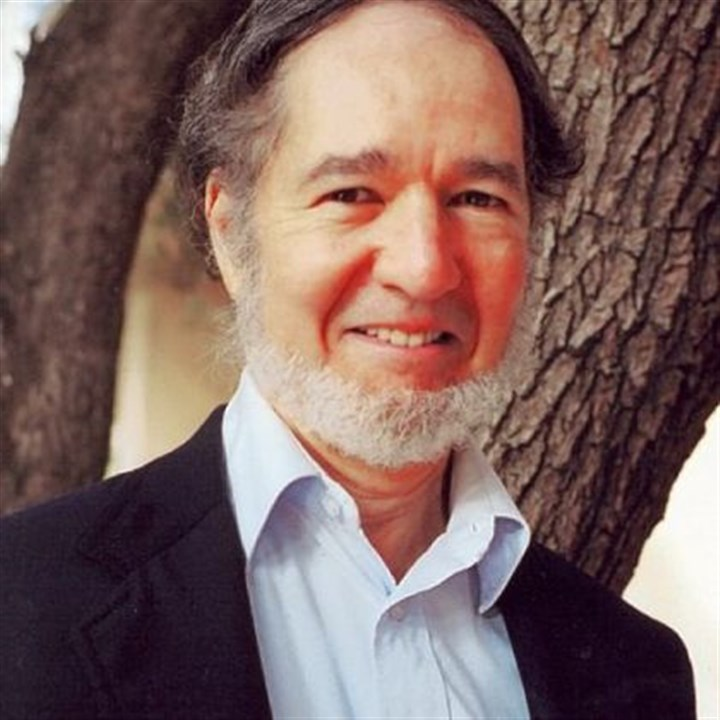 Jared Diamond Jared Diamond -- Older people are valuable to societies because they have experience in their fields.