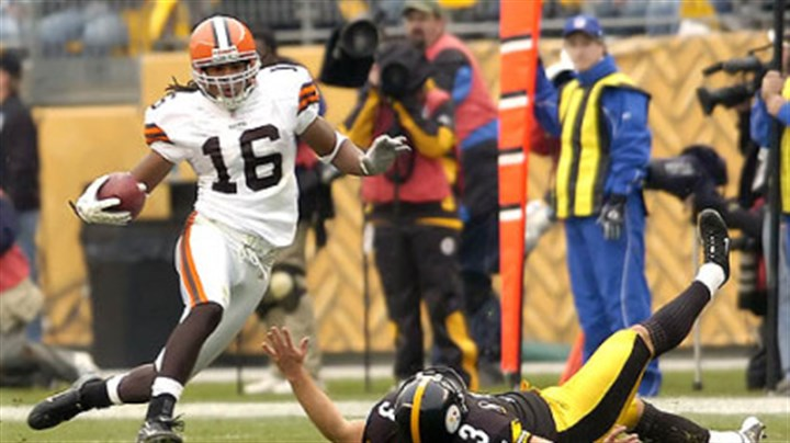 Jeff Reed and Browns Joshua Cribbs Browns wide receiver Joshua Cribbs gets around Steelers kicker Jeff Reed as he runs a kickoff back 90 yards to the Steelers 3. (vs. Browns 11/11/07)