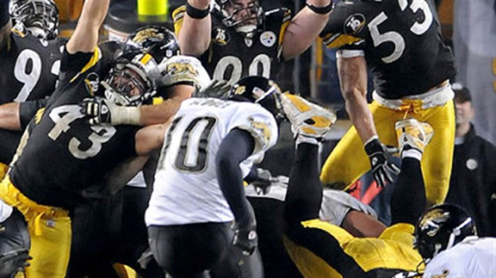 Josh Scobee kicks Josh Scobee kicks the go-ahead field goal with 37 seconds remaining in the game last night, spoiling a second-half comeback by the Steelers. (vs. Jaguars 1/5/2008)