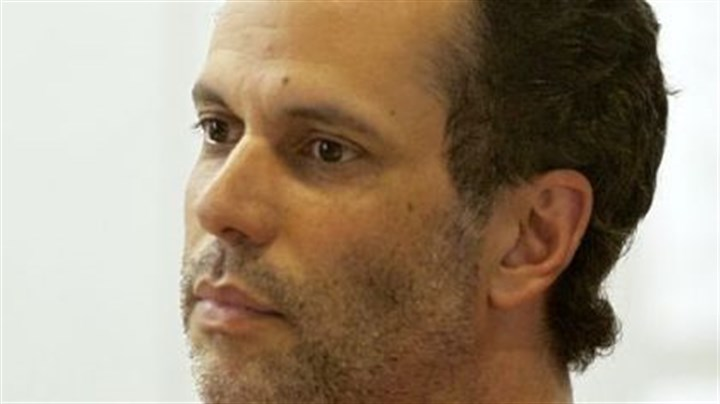 Juan-Carlos Cruz Juan-Carlos Cruz, a former Food Network television chef, faces murder charge.