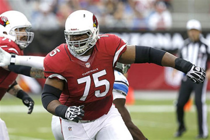 lbrown1 In this Sept. 15, 2013 photo, Arizona Cardinals offensive tackle Levi Brown looks to block against the Detroit Lions. The Steelers have acquired Brown in a trade with the Cardinals.