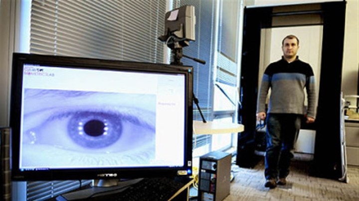 Long-range iris-scanning technology Ramzi Abiantun demonstrates the long-range iris-scanning technology being developed at Carnegie Mellon University's CyLab Biometrics Center. The machine can scan and identify a person from his iris up to 15 meters away.