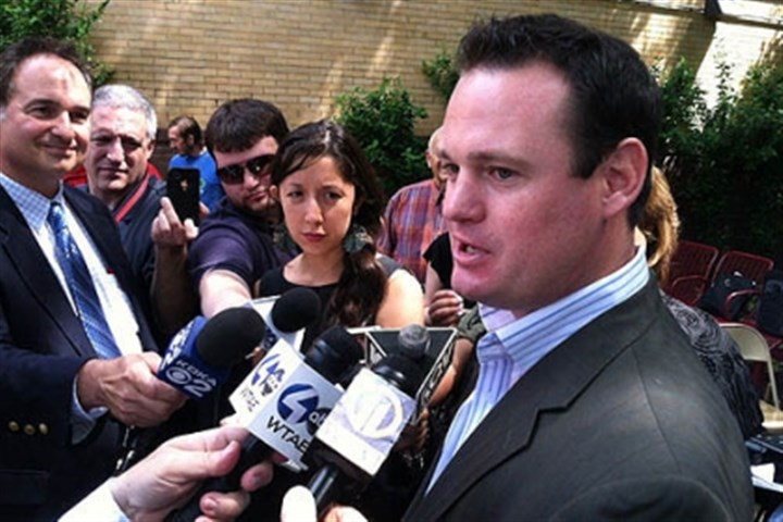 luke ravenstahl speaks Mayor Luke Ravenstahl answers questions from reporters today.