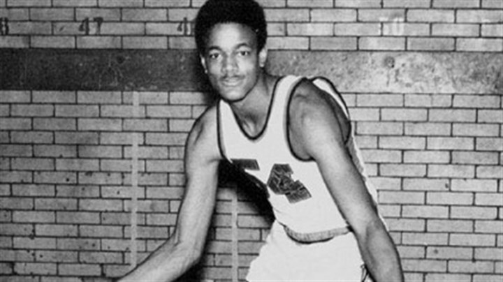 Maurice Lucas Maurice Lucas in 1971.