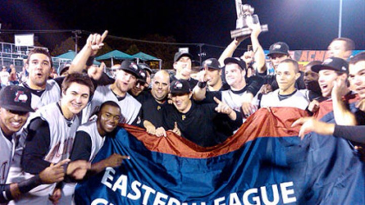 Members of the Altoona Curve Members of the Altoona Curve, the Pirates' Class AA affiliate, celebrate their Eastern League title Saturday night in Trenton, N.J.