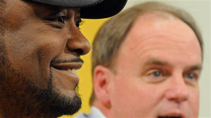 Mike Tomlin and Kevin Colbert Steelers head coach Mike Tomlin and director of player personnel Kevin Colbert talk Monday about the upcomming NFL draft at a press conference at the team's South Side headquarters.