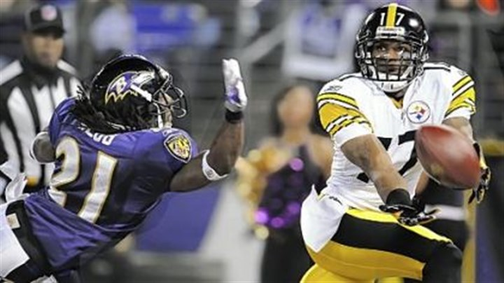 Mike Wallace Steelers Mike Wallace stretches for a ball behind Ravens defensive back Lardarius Webb in the first Steelers-Ravens game in 2010. Wallace believes the Steelers wide receivers are too fast for Baltimore.
