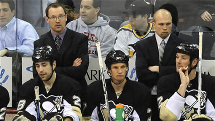 Mike Yeo Former Penguins coach Mike Yeo, right, will be the next head coach of the Houston Aeros.