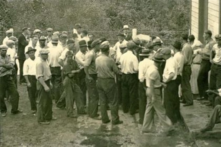 next crowd Union officials and pickets at the Gates mine the day after the Sept. 14, 1933, shootings.