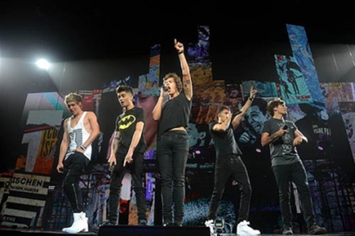 One Direction One Direction -- Niall Horan, left, Zayn Malik, Harry Styles, Liam Payne and Louis Tomlinson -- performs at the Consol Energy Center Monday night.