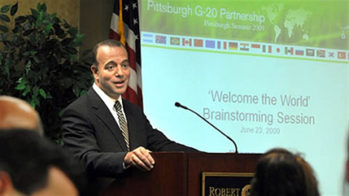 Onorato brainstorms the G-20 Allegheny County Executive Dan Onorato speaks at the G-20 brainstorming session at Robert Morris University, June 23, 2009.