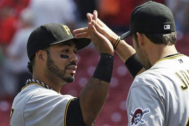 pedro hi five Pedro Alvarez congratulated by Garrett Jones